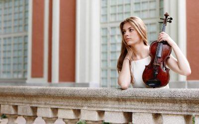 Roxana Wisniewska abre el XVIII Ciclo Hojas de Álbum