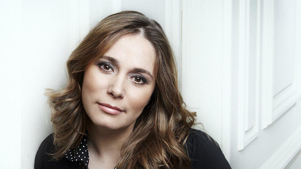 La mezzosoprano Marta Infante forma con el arpista Manuel Vilas Ars Atlántica, que participa en el Festival de Música Sacra y Antigua de Badajoz.