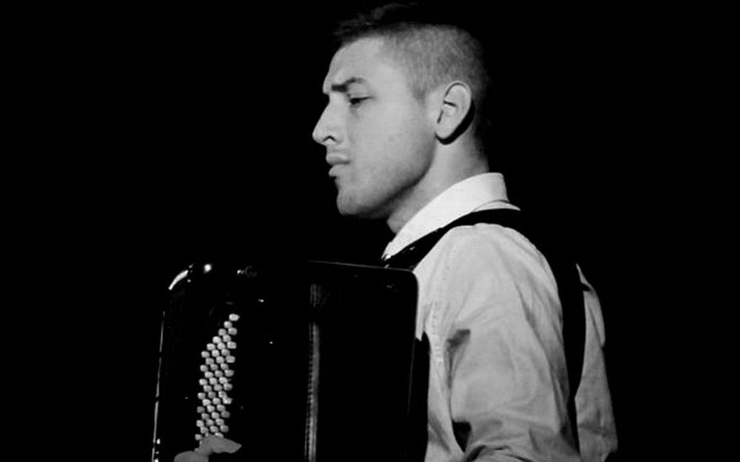 El acordeonista Dorde Vasiljevic llega a Orellana la Vieja el 15 de diciembre
